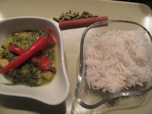 Saag chicken stew with rice