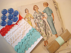 Day#2 (sabine&cats) Tags: october ribbons dress buttons mccalls whatilike 50spattern vintagesewingsupplies