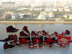Sunshining7 - Nike air Jordan I - 1985 - Black-Red Vs White-Red (sunshining7) Tags: vintage michael air nike jordan sneaker rare jumpman ajko sunshining7