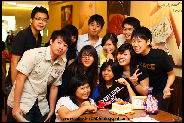 Yee Leng's Birthday 2009 @ Papa John's Pizza, Sunway Pyramid