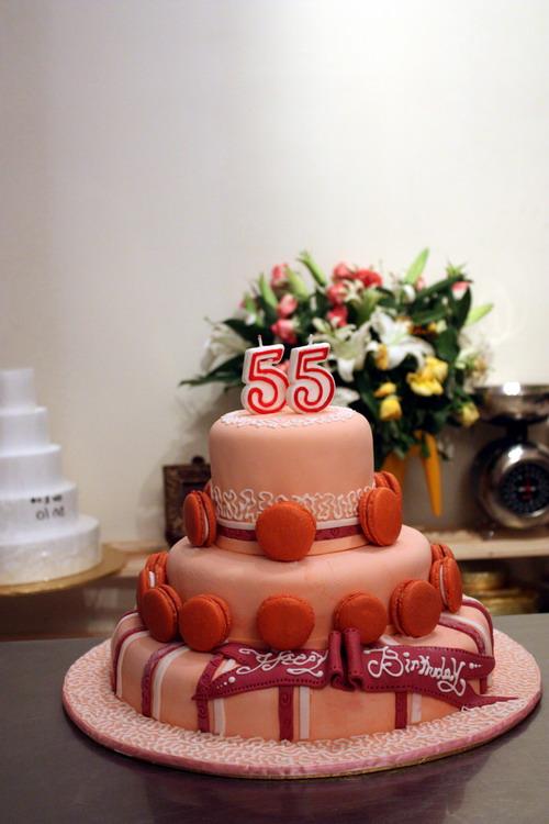 Macaron Fondant Cake 1