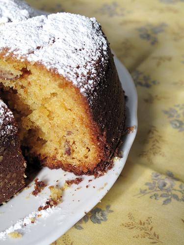 La torta della colazione (torta sciroppo d'acero, yogurt e noci pecan)