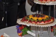 wedding cake (fruit tart)