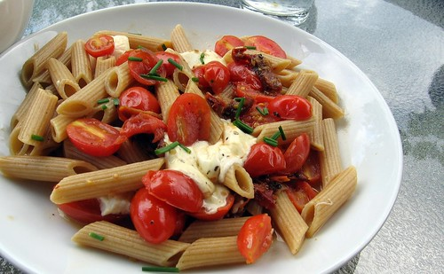Whole Wheat Pasta with Two Tomatoes