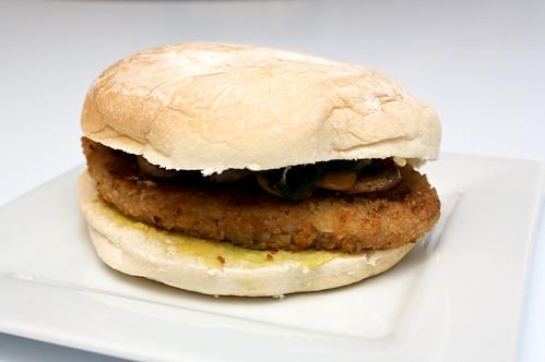 vegan schnitzel burger