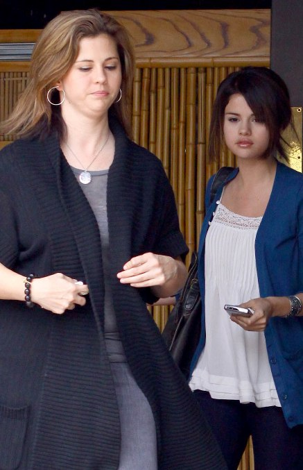 selena-gomez-mommy-mandy (3)