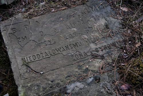 Inskrypcja w języku polskim na cmentarzu żydowskim w Otwocku