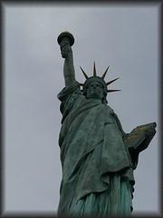 Liberty - Liberté (normandie2005_horst Moi_et_le_monde) Tags: paris liberty liberté liberte parijs parigi páras پاریس paryż 巴黎 freiheitsstatue パリ paříž פריז باريس pariisi pariz париж 파리 parīze paräis პარიზი पेरिस париз פּאַריז parīžios парыж парис փարիզ paryžiuje
