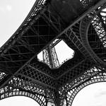 Under Eiffel 2 thumbnail