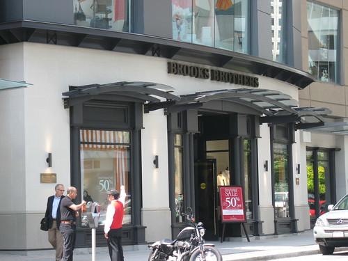 BrooksBrosStore