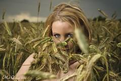 (mc_the_snapshot) Tags: woman beauty face field model eyes corn nikon outdoor makeup 50mm14 d300 sb800 beautydish mcthesnapshot makeupmartina modelsusanne