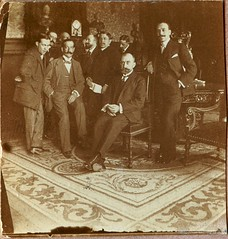 Reunin (Archivo CBB) Tags: old 1920s espaa spain bigotes mens oldphoto 1910s hombres oldphotography fotodegrupo unknownplace lugardesconocido