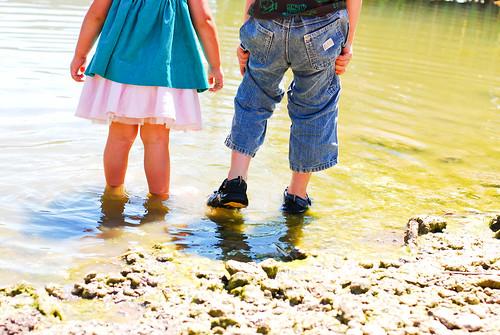 little friends + pond = bliss
