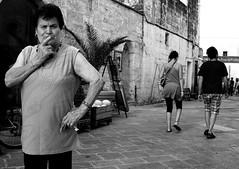 I soliti sospetti... (Skacco - marcorizzo.weebly.com) Tags: street bw woman idea donna streetphotography bn yellowfilter streetshot suspect sospetto marcorizzo perspicace skacco