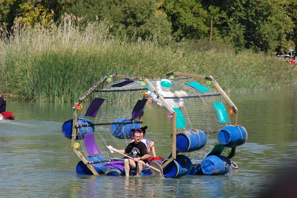 Cylinder raft