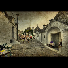 Alberobello, Italy (R.o.b.e.r.t.o.) Tags: people italy texture bravo italia unesco roberto trulli puglia hdr masterpiece alberobello abigfave bratanesque —obramaestra—