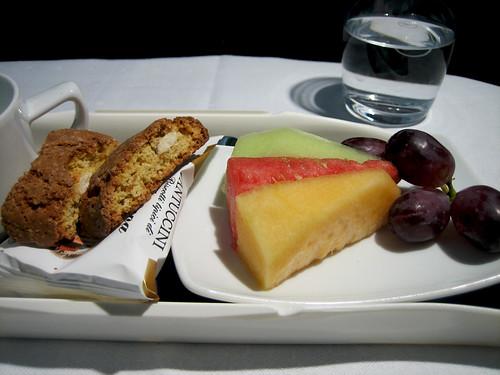 Lufthansa - Biscotti and Fruit