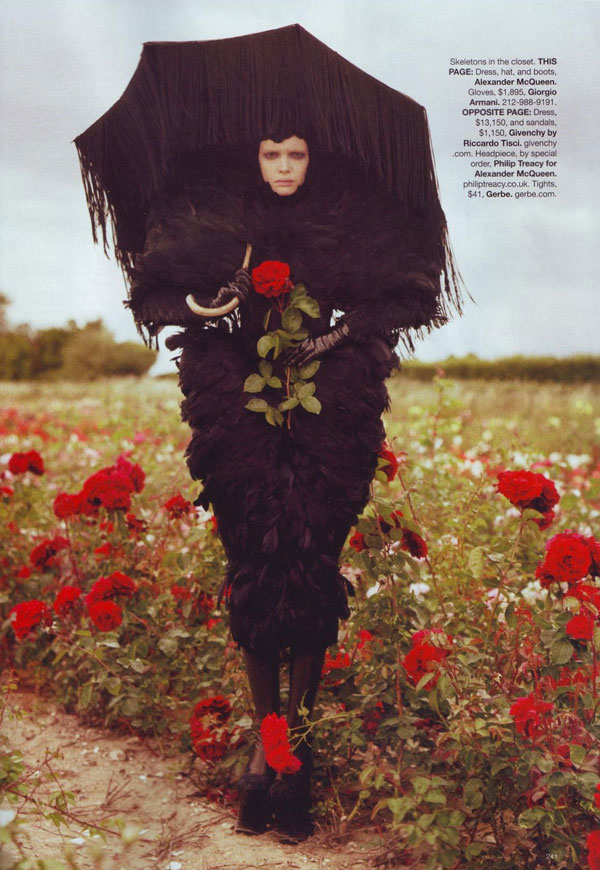 tim-burton-harpers-bazaar-october-2009-1