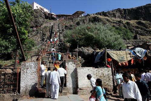 Low 2009-11-20 Champaner - Kalika Mata Mandir 03 - Climb to the Mandir