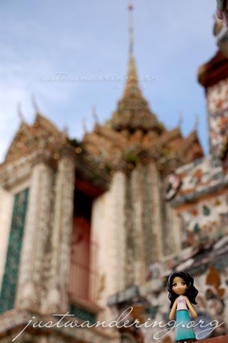 Sayuri at Wat Arun