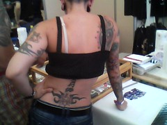 mami (vassile_mm) Tags: de tatuaj salonul
