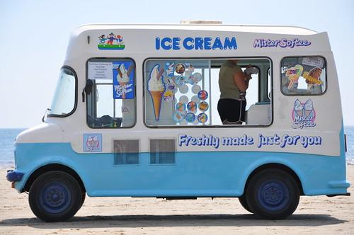 Ice cream van by waynep57