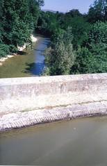 930627 Canal du Midi - Aquaduct (rona.h) Tags: france 1993 cacique aquaduct canaldumidi ronah vancouver27 bowman57