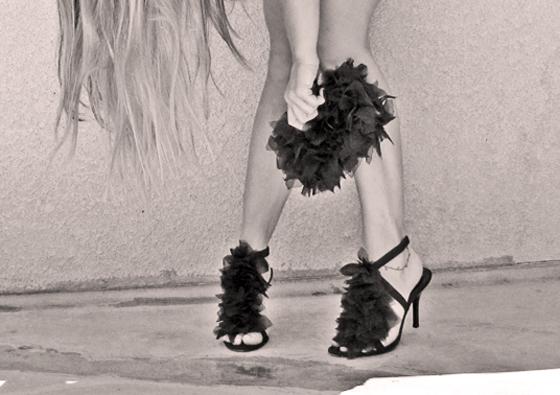 DIY-Petal-shoes-bag-clutch-Louboutin-6