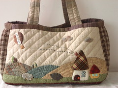 Casual bag (STORY QUILT) Tags: flower cute quilt handmade embroidery sewing pouch applique handstitched countrystyle patchworkbag