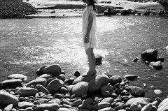 _親愛的,你不等於。 (eliot.) Tags: blackandwhite film minolta 台灣 agfa eliot 西湖鄉 himatic7s 苗栗縣 vista200 認識你,不認識愛情 守夜人,不點燈 二十歲只懂往前飛