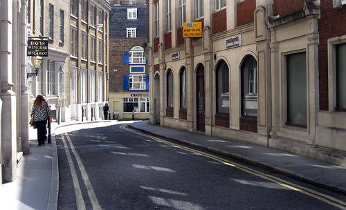 "London 421 • <a style=""font-size:0.8em;"" href=""http://www.flickr.com/photos/30735181@N00/3718090836/"" target=""_blank"">View on Flickr</a>"