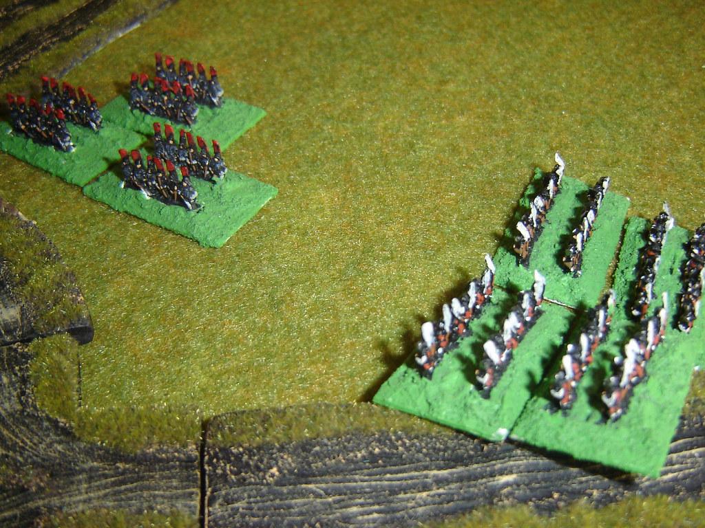Akechi Ashigaru move to flank Toyotomi Samurai