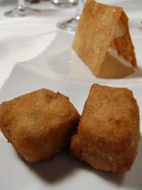 Croquetas de Compango y Bocadillo de Quesos Asturianos