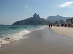 Ipanema Beach (benyeuda) Tags: ocean sea brazil beach southamerica water rio riodejaneiro sand atlantic atlanticocean beautifulbeach ipanema beachscene tropicalbeach ipanemabeach riobeach goldensand dejaneiro