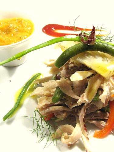 Insalata di gallina e crema di verdure alla senape in grani