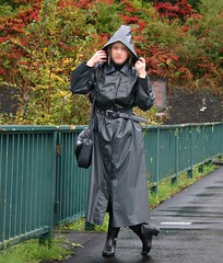 colours of autumn (klepptomanie) Tags: boots latex raincoat rubberboots rainwear gummistiefel klepper kleppermantel