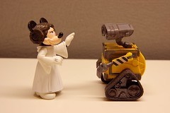 Minnie Organa (twmjedi) Tags: canon toy rebel starwars disney pixar 365 minniemouse efs leia xsi 1755 walle 1755mm princesleia project365 efs1755 canonefs1755mmf28isusm 450d canonefs1755mmf28 365toyproject walle365
