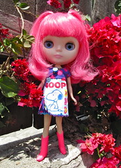 Never too much (jinjurblythe) Tags: pink hot london girl hair cutie snoopy blythe prima takara wheeeee