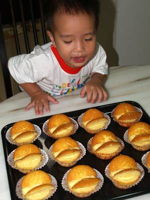 Julian & muffins