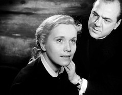 Eva Marie Saint & Karl Malden in On the Waterfront (chescasantos101) Tags: winner priest academyawards marlonbrando evamariesaint karlmalden eliakazan onthewaterfront oscarwinners bestsupportingactress bestsupportingactor actorinasupportingrole actressinasupportingrole oscarpriest