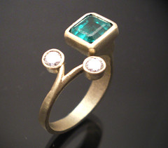 Fiechter (nobles metales) Tags: diamonds gold handmade jewelry ring emerald exclusive joyeria anillo contemporany fiechter