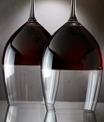 Red Wine (Mac V.) Tags: red two black glass glasses wine double setup softbox vinho wijn onblack snoot