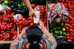 Chichicastenango (gies777) Tags: travel portrait people america leute maya market guatemala sony central menschen markt indigenas chichicastenango lateinamerika a700 zentralamerika mittelamerika
