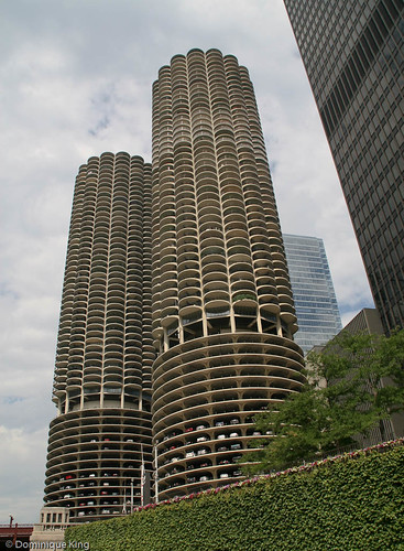 Tour Chicago History By Boat With The Chicago Architecture