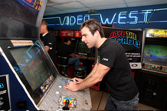 "Zachary Quinto at ""Save the Arcades"" 2 (Stride Gum) Tags: zacharyquinto stridegum glendalecausa savethearcades"