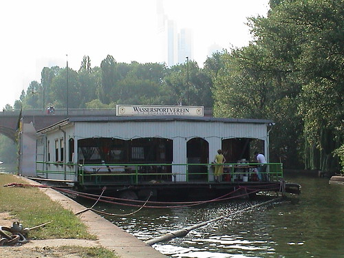 Hausboot Wassersportverein am Main --- wassersport0414