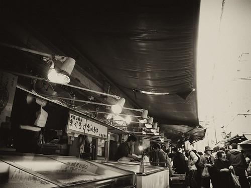 市場の魚屋