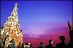Dusk at Wat Chaiwatthanaram | Ayutthaya (I Prahin | www.southeastasia-images.com) Tags: travel sunset summer sky brick statue stone night thailand temple dusk buddha destruction buddhist unesco explore sacred historical burmese soe chai goldenhour worldheritage ayutthaya meru chedi chaophrayariver prang coth explored watchaiwatthanaram flickrsbest abigfave  khmerstyle flickrdiamond artofimages daarklands bestcapturesaoi watthanaram traiphumphraruang prasatthong
