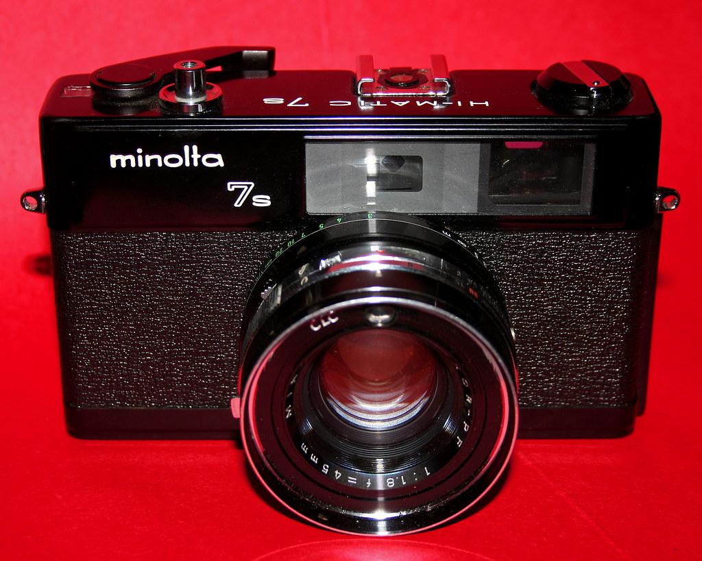 Black Minolta Hi-Matic 7s
