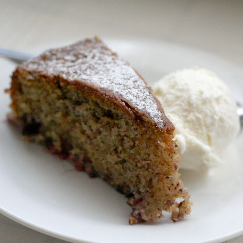 berry & hazelnut cake